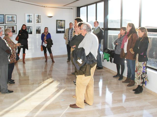 """""""A falta de palabras"""". Exposición fotográfica de Raquel Barbero y Juan Zamora Lamas en la Universidad Rey Juan Carlos de Alcorcón."""