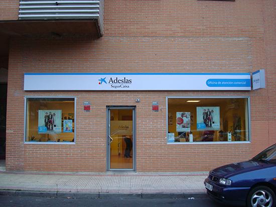 Mariola de Adeslas Alcorcón en C/Los pinos 36 tiene la solución para la tranquilidad de tú familia