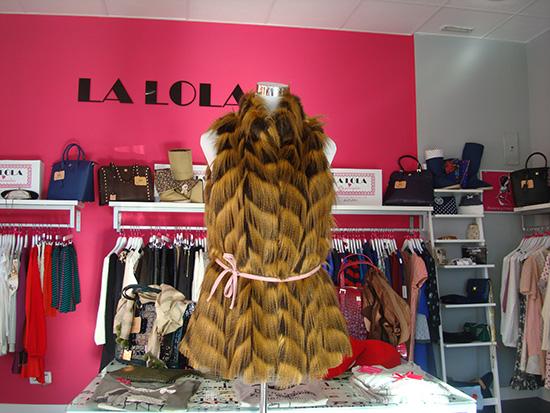 Chaleco largo de pelo con cinturón de piel rosa palo rebajado de 99,90 € a 59,95 €