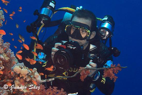 Juanjo de fotografía submarina Kanau Alcorcón en Betanzos 3 te hará sentir diferente al resto