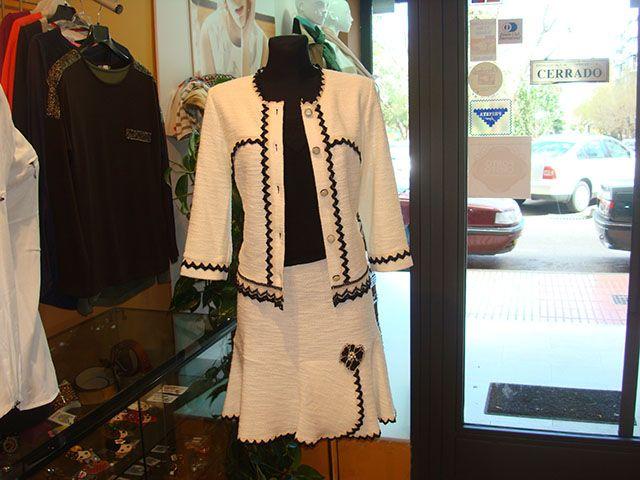 Conjunto de 3 piezas Poupe-Chic de algodón hecho en España. Linea mujer jovén para ceremonia y calle.