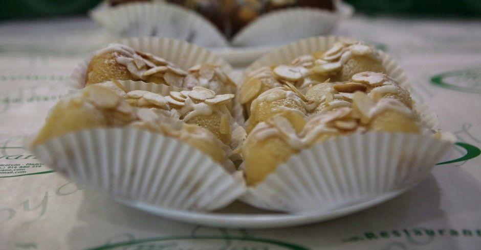 """Probamos """"El aguamanil"""" dulce típico de Alcorcón. Uno de los grandes placeres para el ser humano es descubrir nuevos aromas, nuevas experiencias gastronómicas. Este bizcocho nos provoca nuevas sensaciones para el paladar."""