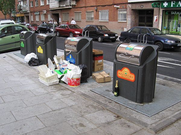 """Vecinos de Alcorcón convocan una concentración """"por una ciudad limpia"""""""
