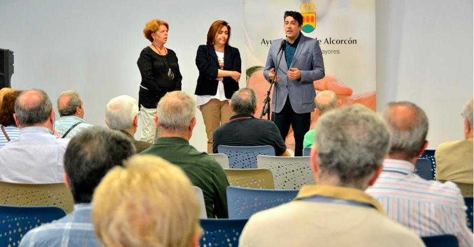 Aumenta el número de plazas en los talleres de los centros municipales de mayores