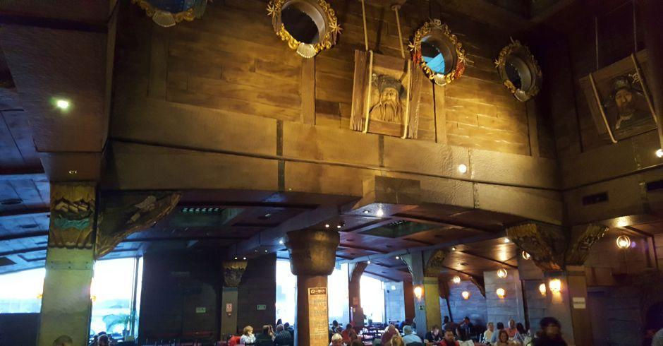 Un policía salva la vida de un cliente del Restaurante Pirata's