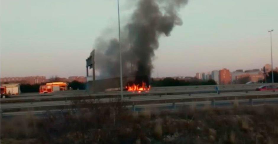 arde un camión