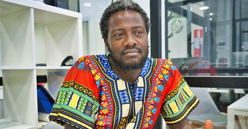 Bertrand Ndongo, el camerunés militante de Vox