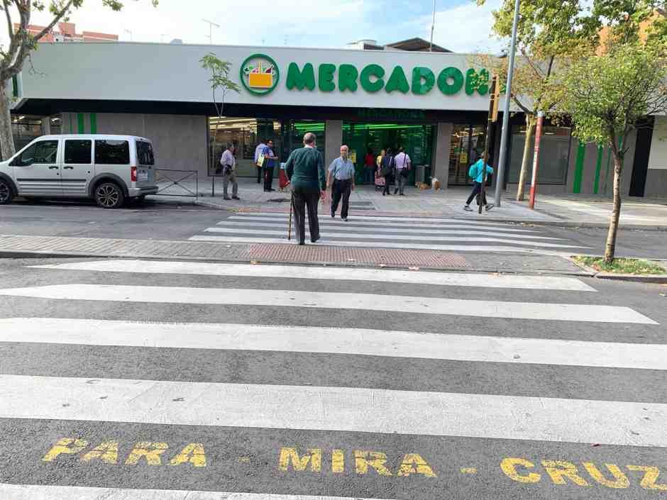 Nueva instalación de semáforos en la calle Los Cantos de Alcorcón