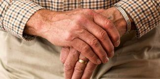 900 vecinos de Alcorcón en lista de espera por la ayuda a domicilio