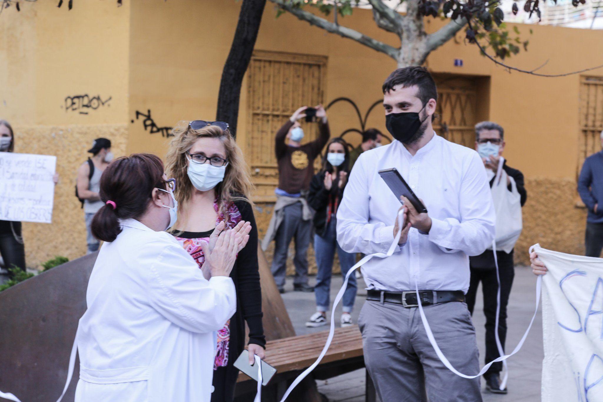 Concentración frente al Centro de Salud Doctor Trueta de Alcorcón