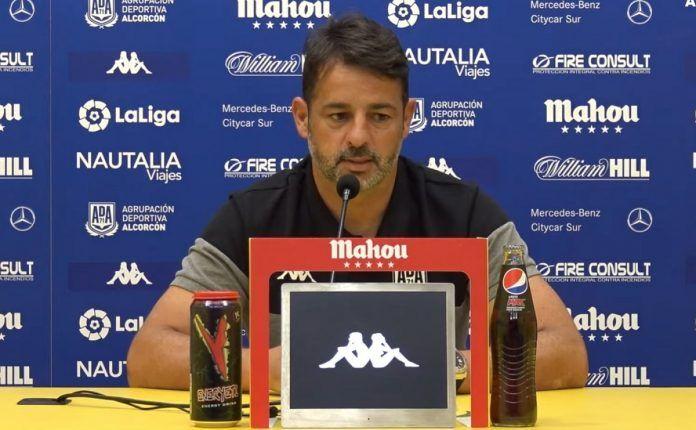 Mere deja de ser entrenador del Alcorcón