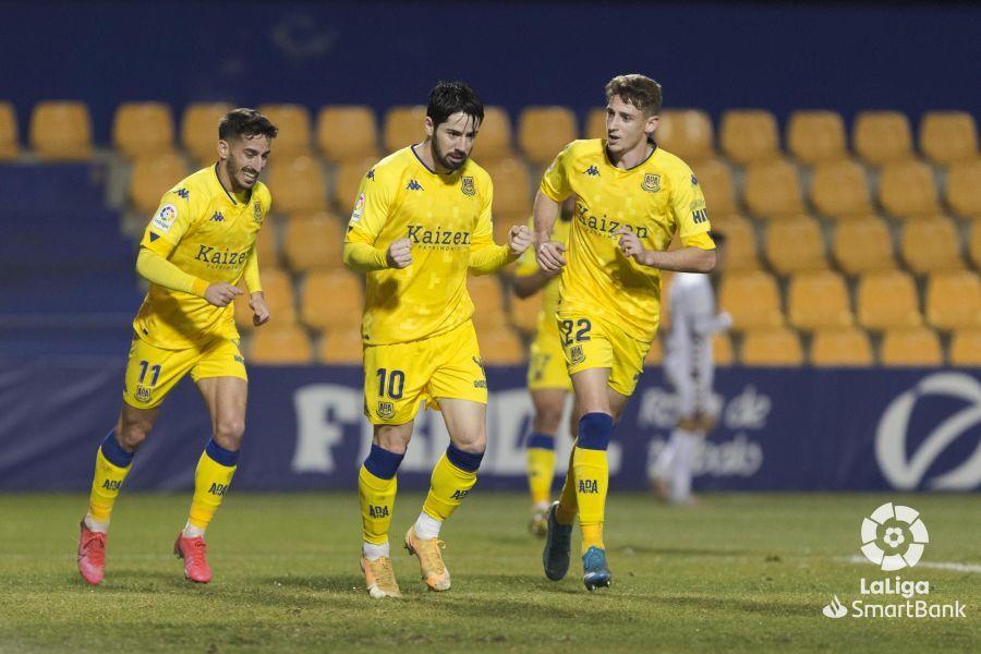 Alcorcón 1-2 Albacete/ Un penalti polémico deja al Alcorcón colista