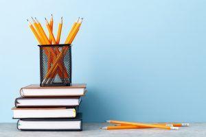 Reparto masivo de gel en colegios y asociaciones de Alcorcón
