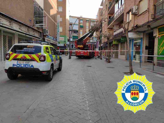 Robo con fuerza, incendio en un garaje y un fallecimiento este fin de semana en Alcorcón