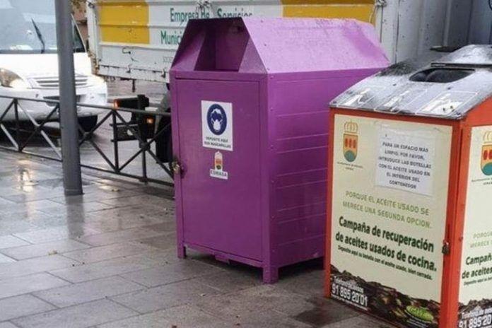 Roban dos contenedores de mascarillas en Alcorcón