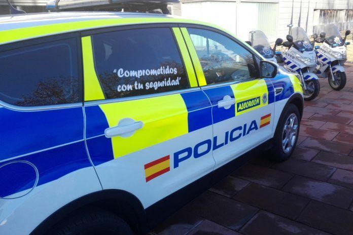 Detienen a dos hombres por robar en vehículos en Alcorcón