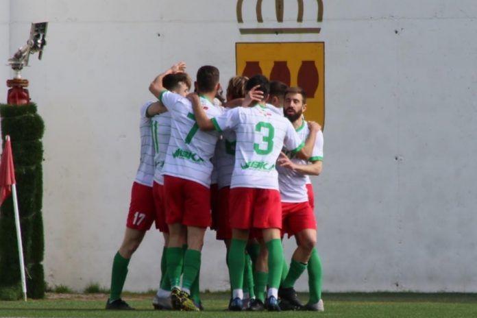 El Trival Valderas Alcorcón obra el milagro: remonta al Aranjuez y logra la permanencia en Tercera