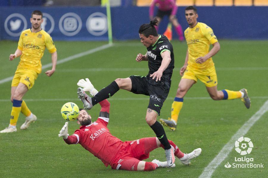 Alcorcón 1-2 Leganés/ El Alcorcón cae al descenso ante la pólvora del Leganés