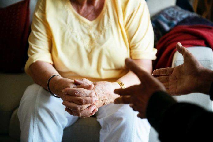 Teleasistencia Domiciliaria gratuita para mayores de 80 años de Alcorcón que vivan solo