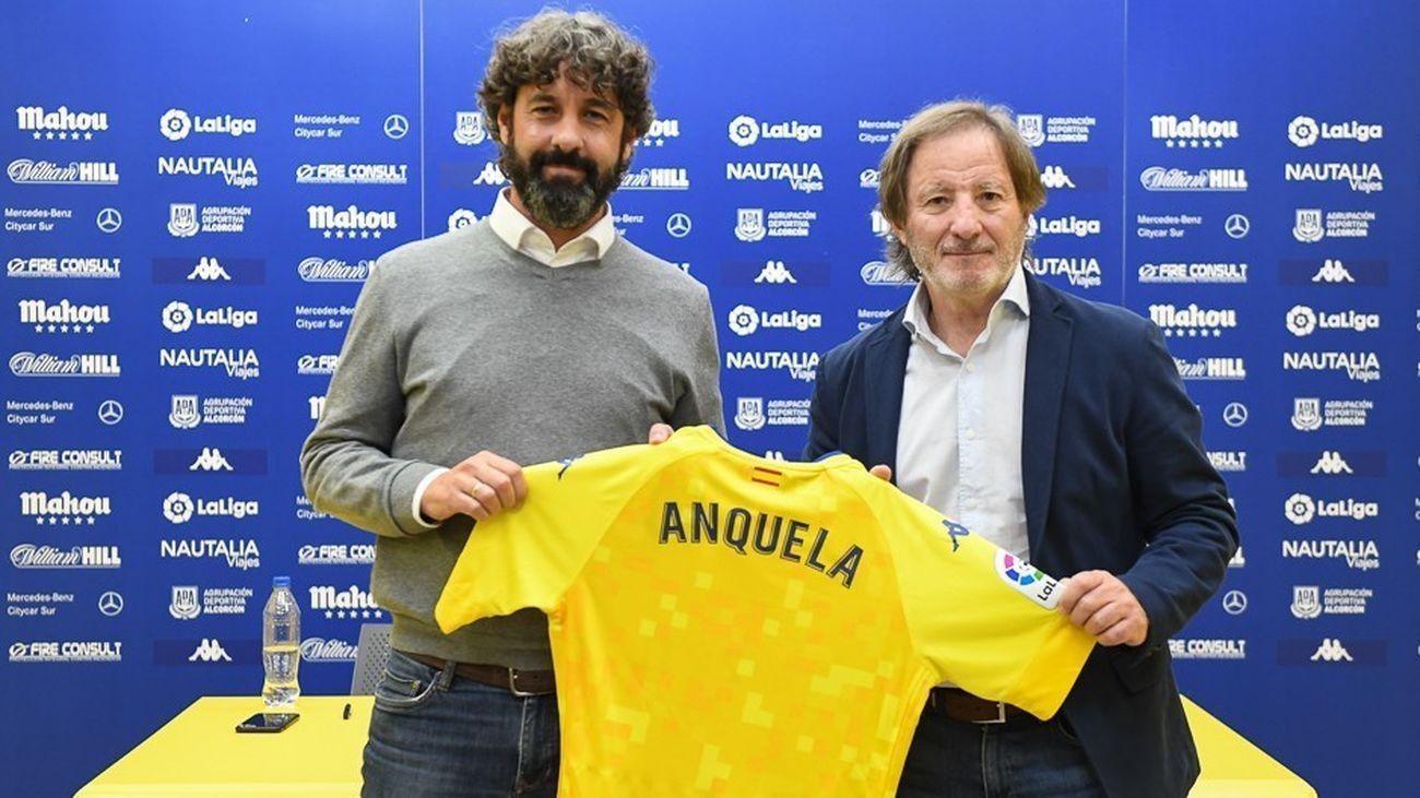 Anquela se queda en el Alcorcón