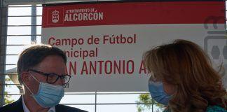 Emotivo homenaje de Alcorcón a Juan Antonio Anquela