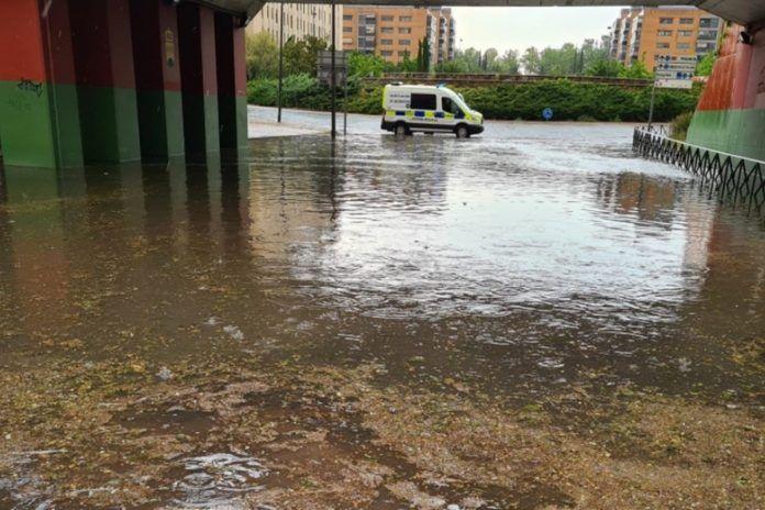 Inundaciones, balsas de agua y alerta amarilla por la tormenta en Alcorcón