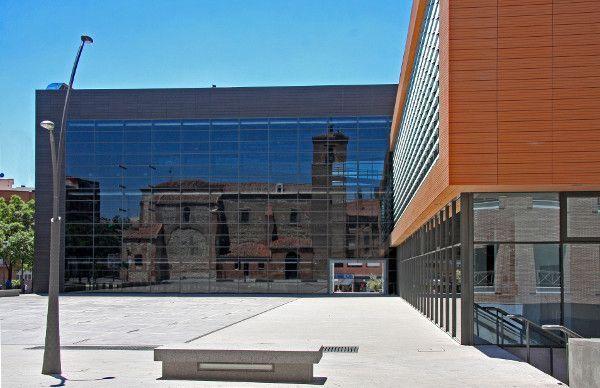 Con un sistema de regulación instalado por ESMASA. Alcorcón optimiza el ahorro energético en el edificio consistorial.