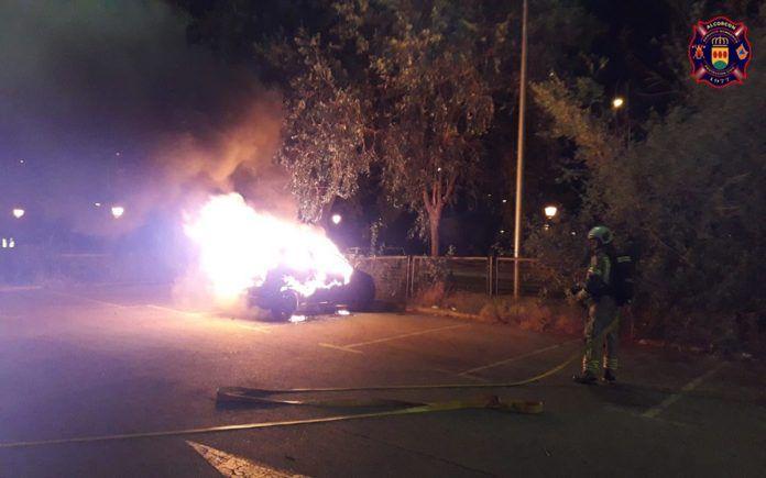 Incendio de un vehículo en Alcorcón Central