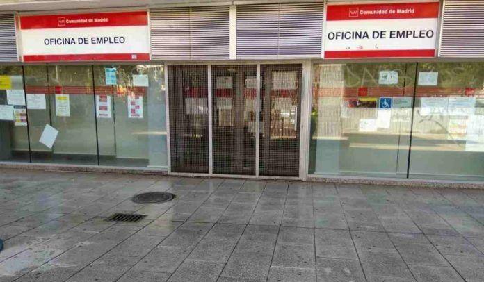 Bolsas de empleo en Alcorcón para conserjes, peones y profesores de la Escuela de Adultos