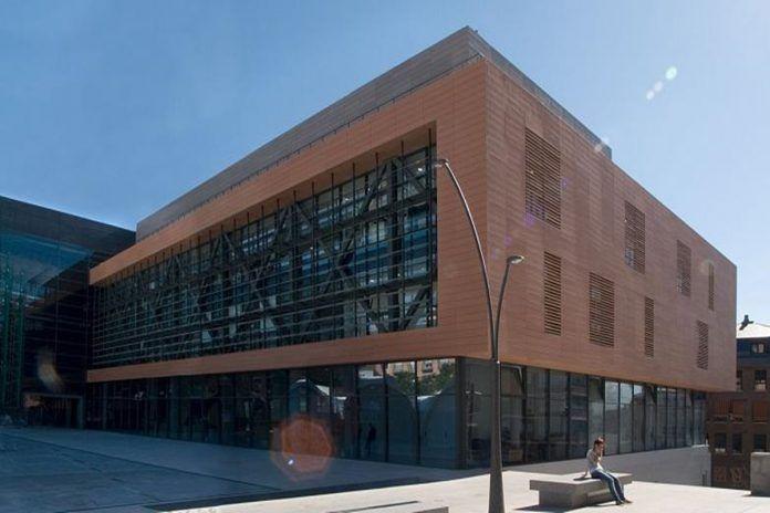 Alcorcón actualiza la 'Tasa de Vados' para las grandes superficies