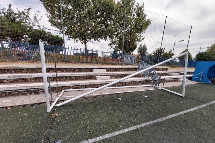 Denuncian destrozos importantes en el campo de fútbol Esteban Márquez de Alcorcón