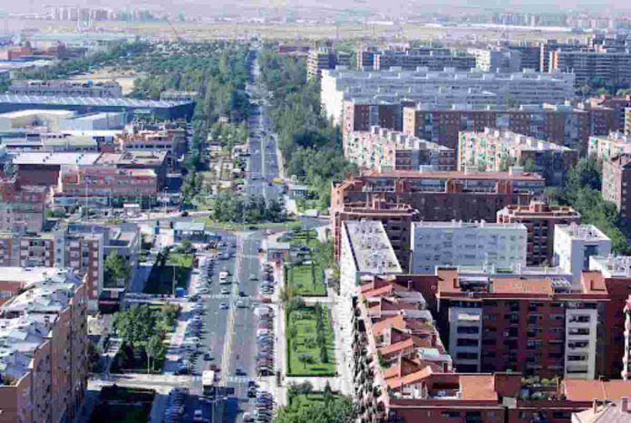 Alcorcón se transforma en 'Ciudad Violeta'